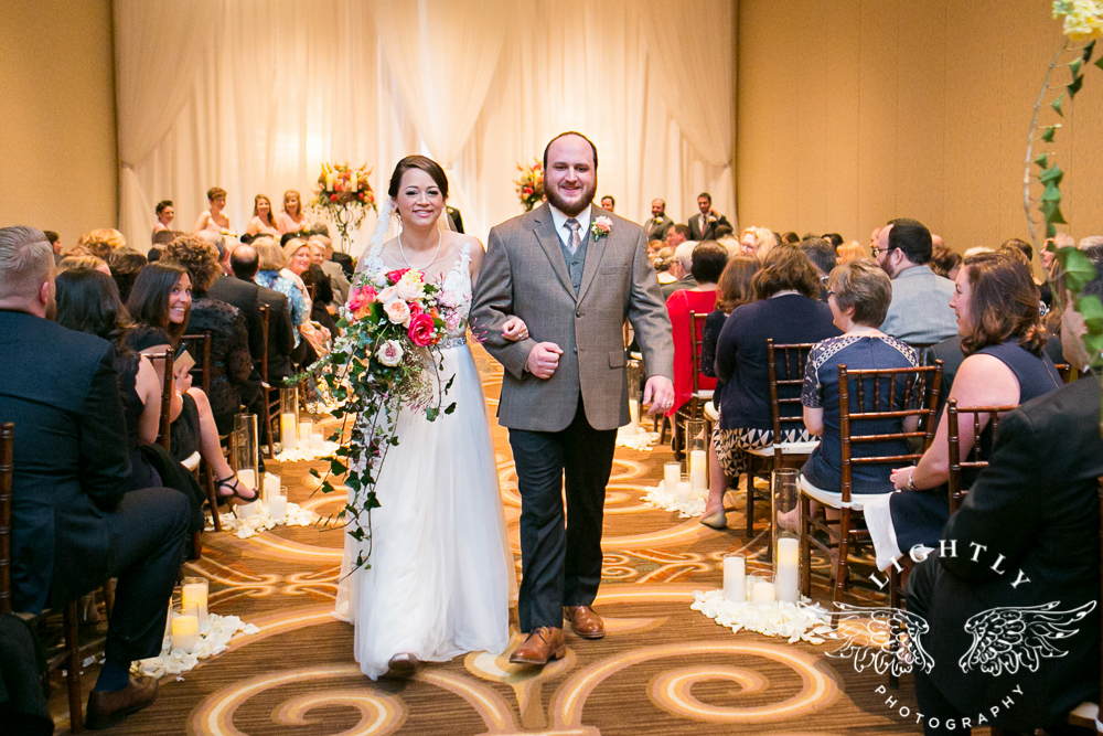 Wedding Omni Fort Worth Bridal Blooms Randy Ro Entertainment Creme de la Creme Amanda McCollum Lightly Photography-032