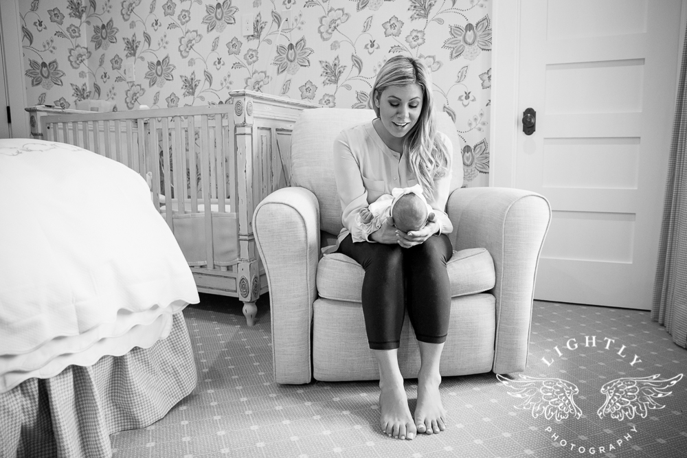 Newborn Session in home lifestyle Lightly Photography-003