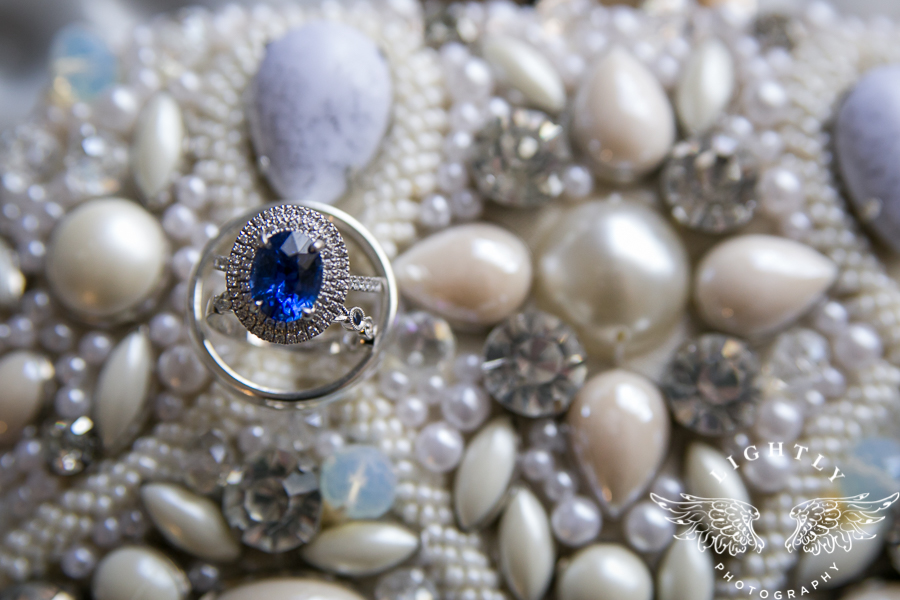 fort-worth-wedding-robert-carr-chapel-reata-bliss-bridal-salon-david-kimmel-floral-greg-beck-by-lightly-photography-0006