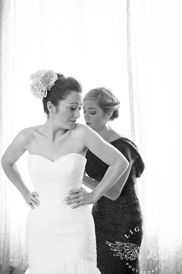 fort-worth-wedding-robert-carr-chapel-reata-bliss-bridal-salon-david-kimmel-floral-greg-beck-by-lightly-photography-0010