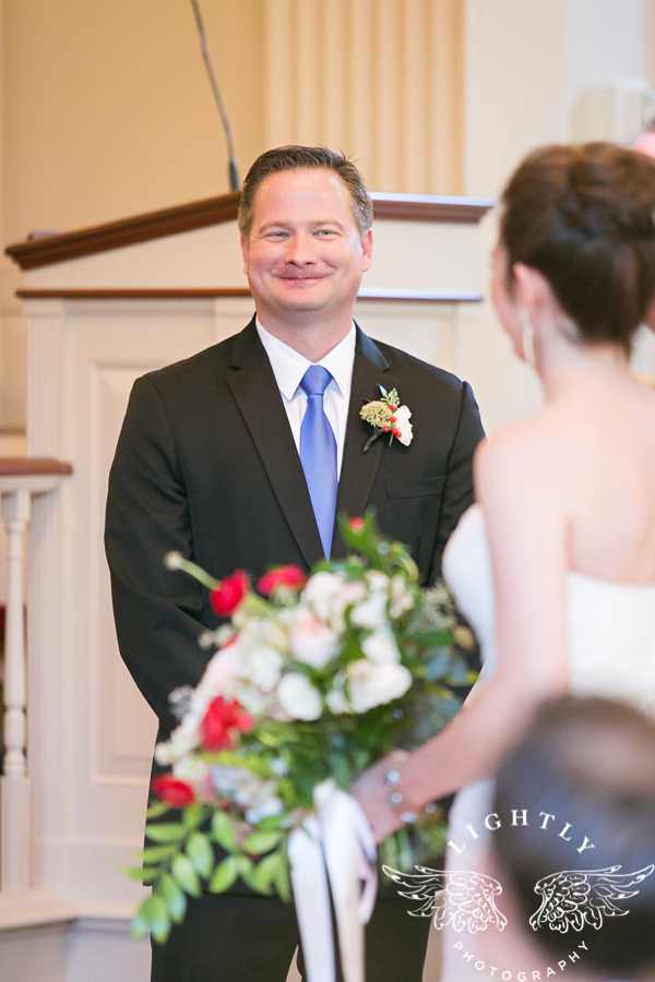 fort-worth-wedding-robert-carr-chapel-reata-bliss-bridal-salon-david-kimmel-floral-greg-beck-by-lightly-photography-0032