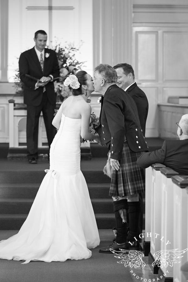 fort-worth-wedding-robert-carr-chapel-reata-bliss-bridal-salon-david-kimmel-floral-greg-beck-by-lightly-photography-0034