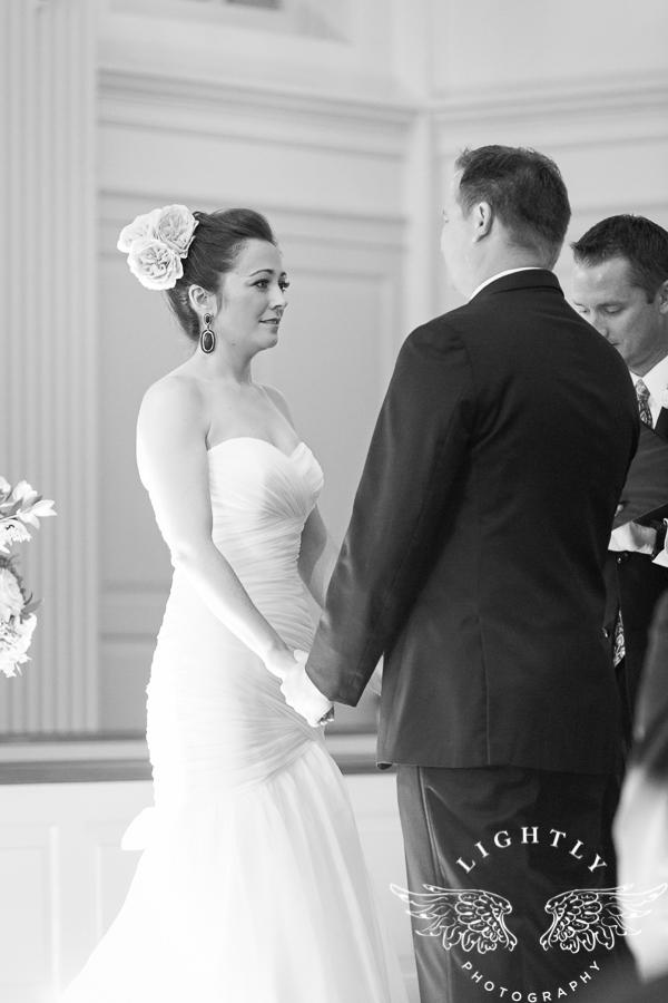 fort-worth-wedding-robert-carr-chapel-reata-bliss-bridal-salon-david-kimmel-floral-greg-beck-by-lightly-photography-0039