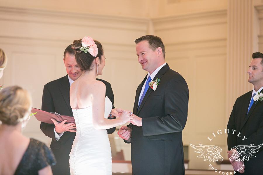 fort-worth-wedding-robert-carr-chapel-reata-bliss-bridal-salon-david-kimmel-floral-greg-beck-by-lightly-photography-0042