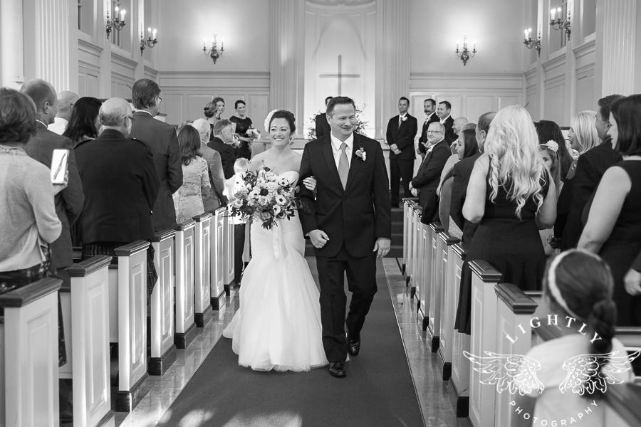 fort-worth-wedding-robert-carr-chapel-reata-bliss-bridal-salon-david-kimmel-floral-greg-beck-by-lightly-photography-0044