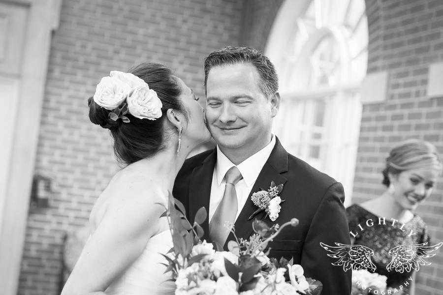 fort-worth-wedding-robert-carr-chapel-reata-bliss-bridal-salon-david-kimmel-floral-greg-beck-by-lightly-photography-0048