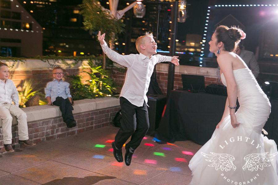 fort-worth-wedding-robert-carr-chapel-reata-bliss-bridal-salon-david-kimmel-floral-greg-beck-by-lightly-photography-0079