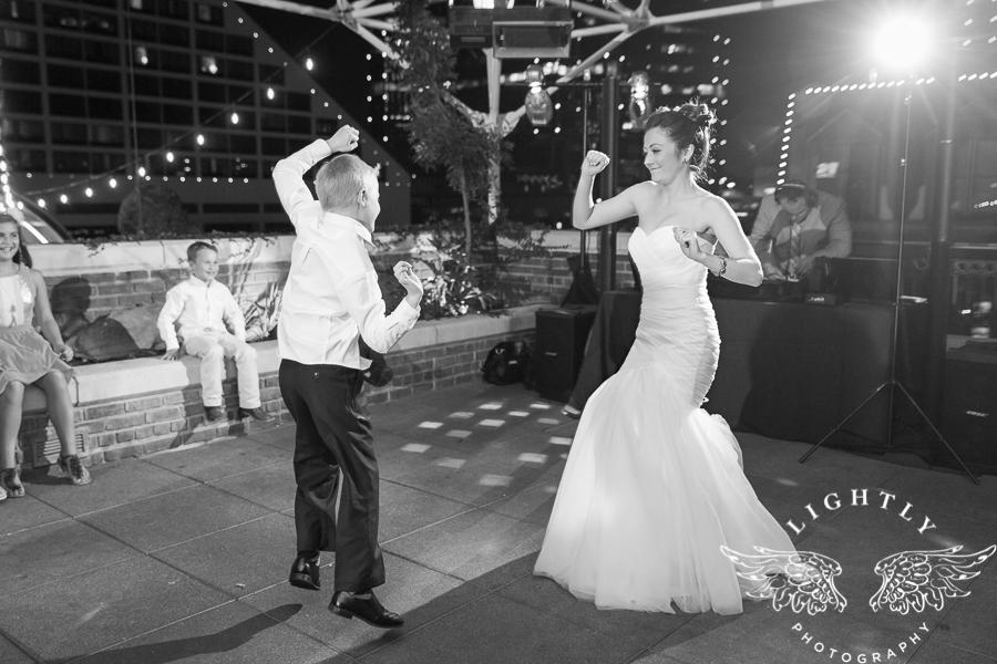 fort-worth-wedding-robert-carr-chapel-reata-bliss-bridal-salon-david-kimmel-floral-greg-beck-by-lightly-photography-0080