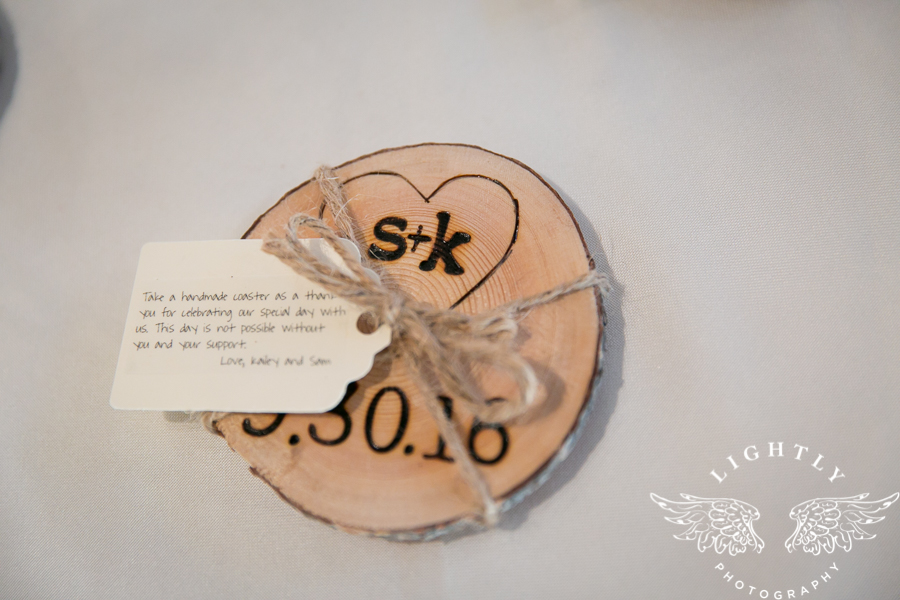 wedding-at-thistle-springs-ranch-bliss-bridal-salon-remebrance-flowers-leforce-entertainment-mens-warehouse-serendipity-events-by-tina-lightly-photography-0027