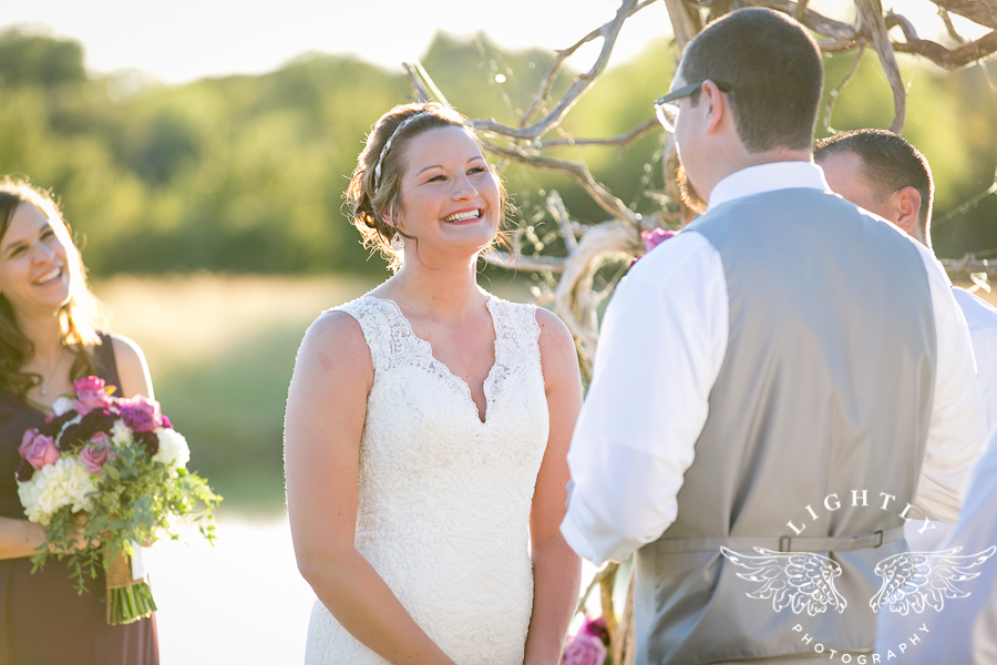 wedding-at-thistle-springs-ranch-bliss-bridal-salon-remebrance-flowers-leforce-entertainment-mens-warehouse-serendipity-events-by-tina-lightly-photography-0057