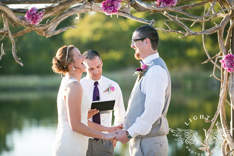 wedding-at-thistle-springs-ranch-bliss-bridal-salon-remebrance-flowers-leforce-entertainment-mens-warehouse-serendipity-events-by-tina-lightly-photography-0059
