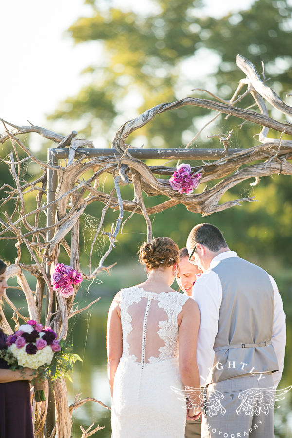 wedding-at-thistle-springs-ranch-bliss-bridal-salon-remebrance-flowers-leforce-entertainment-mens-warehouse-serendipity-events-by-tina-lightly-photography-0062
