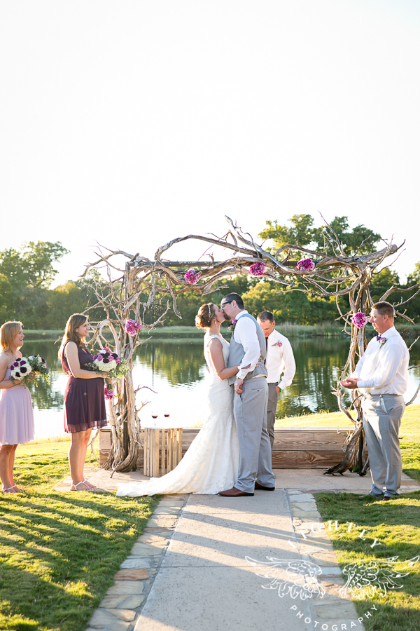 wedding-at-thistle-springs-ranch-bliss-bridal-salon-remebrance-flowers-leforce-entertainment-mens-warehouse-serendipity-events-by-tina-lightly-photography-0064
