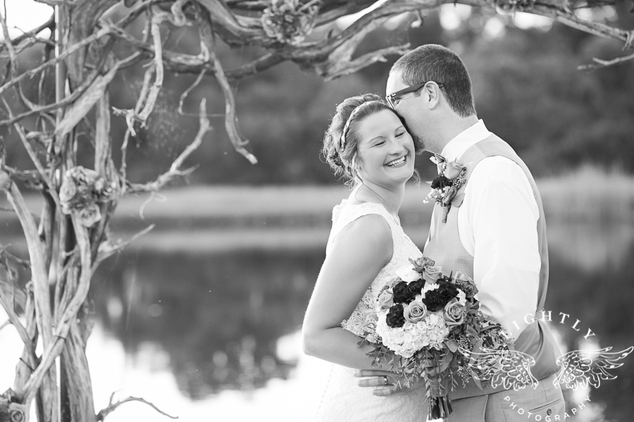 wedding-at-thistle-springs-ranch-bliss-bridal-salon-remebrance-flowers-leforce-entertainment-mens-warehouse-serendipity-events-by-tina-lightly-photography-0071