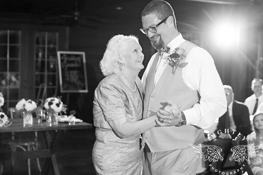 wedding-at-thistle-springs-ranch-bliss-bridal-salon-remebrance-flowers-leforce-entertainment-mens-warehouse-serendipity-events-by-tina-lightly-photography-0099