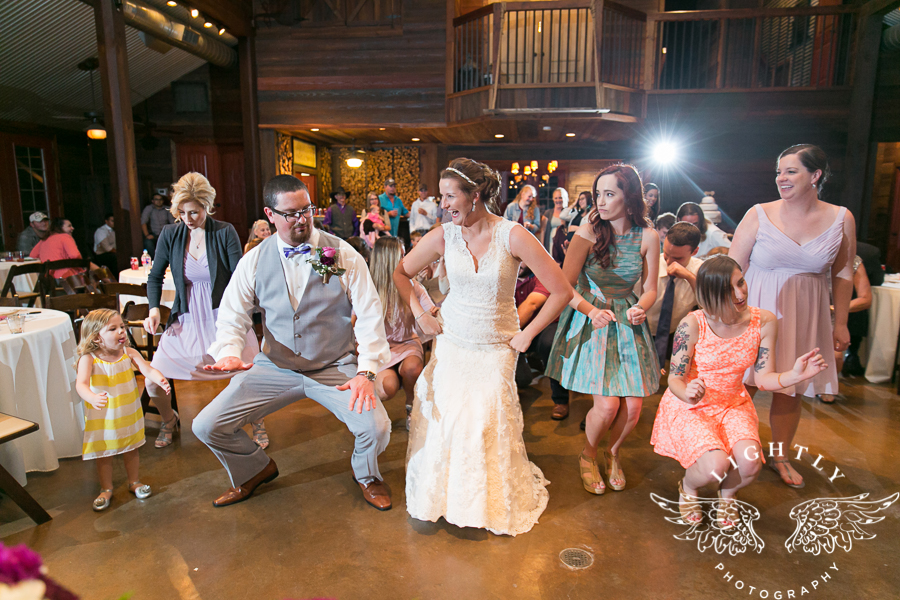 wedding-at-thistle-springs-ranch-bliss-bridal-salon-remebrance-flowers-leforce-entertainment-mens-warehouse-serendipity-events-by-tina-lightly-photography-0109