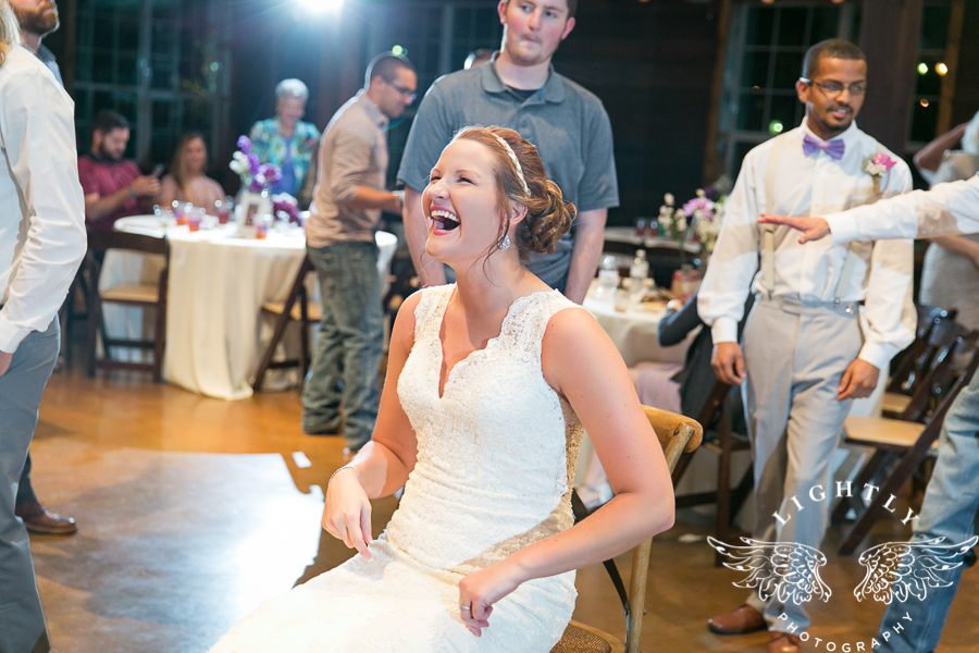 wedding-at-thistle-springs-ranch-bliss-bridal-salon-remebrance-flowers-leforce-entertainment-mens-warehouse-serendipity-events-by-tina-lightly-photography-0113