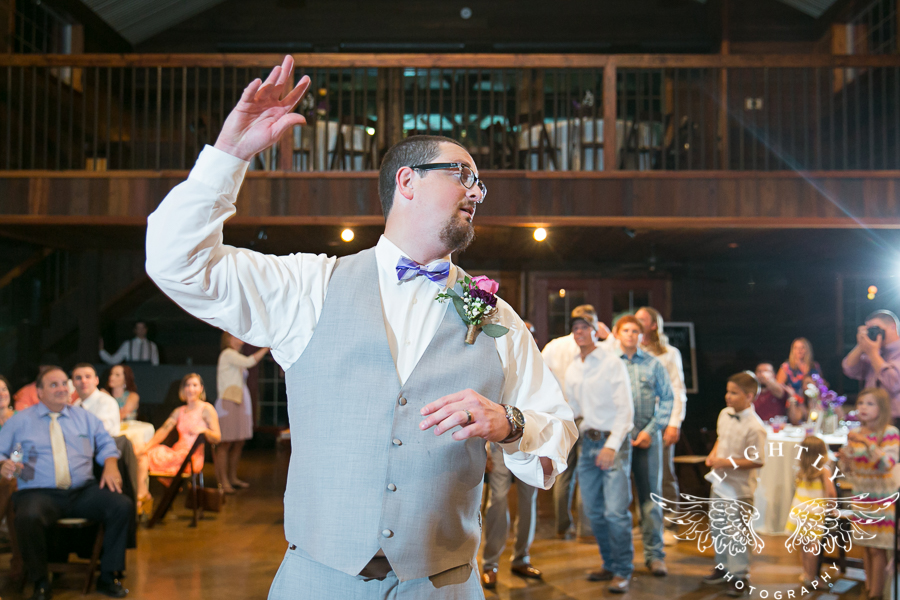 wedding-at-thistle-springs-ranch-bliss-bridal-salon-remebrance-flowers-leforce-entertainment-mens-warehouse-serendipity-events-by-tina-lightly-photography-0115
