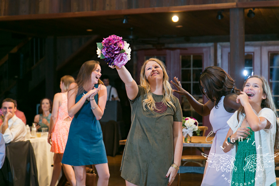 wedding-at-thistle-springs-ranch-bliss-bridal-salon-remebrance-flowers-leforce-entertainment-mens-warehouse-serendipity-events-by-tina-lightly-photography-0117