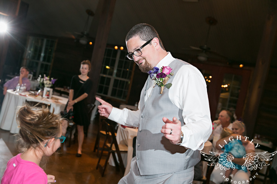 wedding-at-thistle-springs-ranch-bliss-bridal-salon-remebrance-flowers-leforce-entertainment-mens-warehouse-serendipity-events-by-tina-lightly-photography-0119