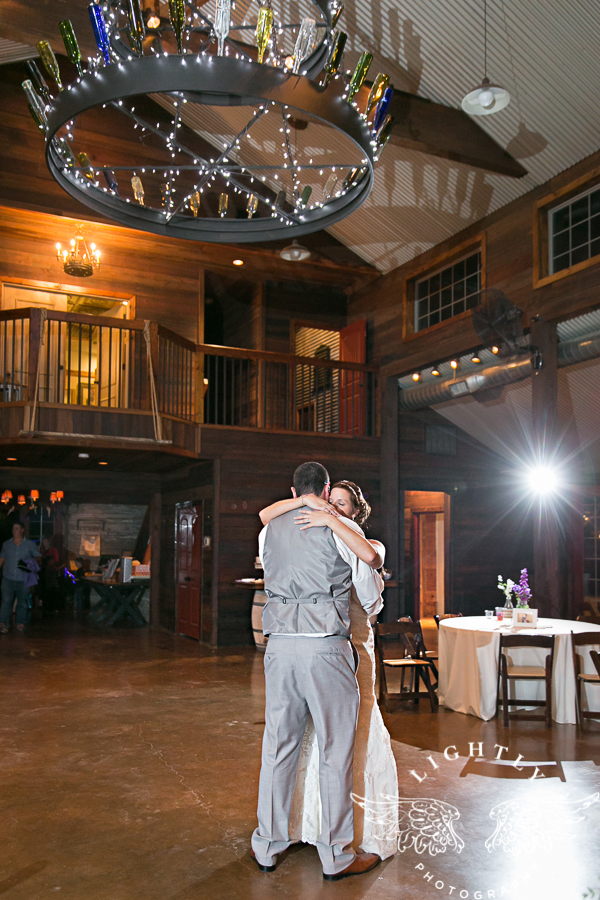wedding-at-thistle-springs-ranch-bliss-bridal-salon-remebrance-flowers-leforce-entertainment-mens-warehouse-serendipity-events-by-tina-lightly-photography-0124