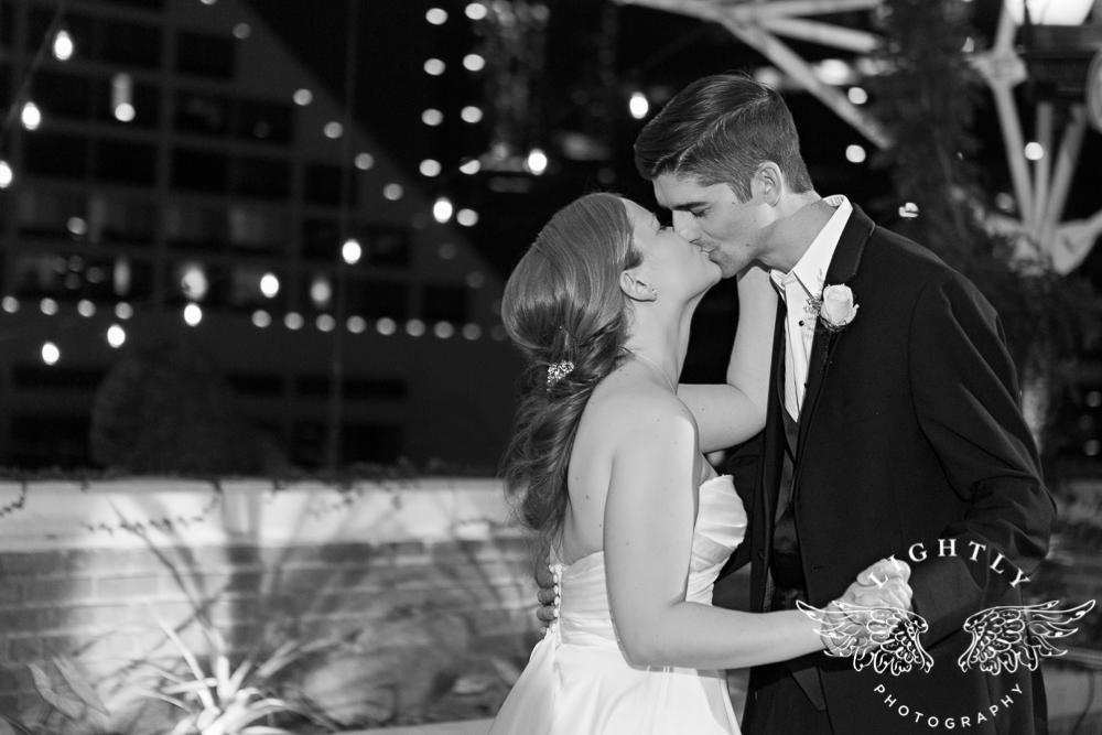 wedding-robert-carr-tcu-reata-restaurant-downtown-fort-worth-lip-service-makeup-amanda-mccollum-lightly-photography-102