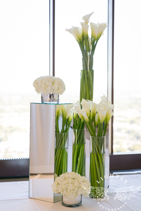 dallas-wedding-city-place-towers-lizzie-bees-flowers-lightly-photography-0009