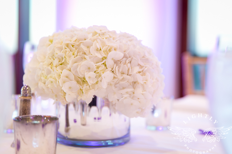 dallas-wedding-city-place-towers-lizzie-bees-flowers-lightly-photography-0025