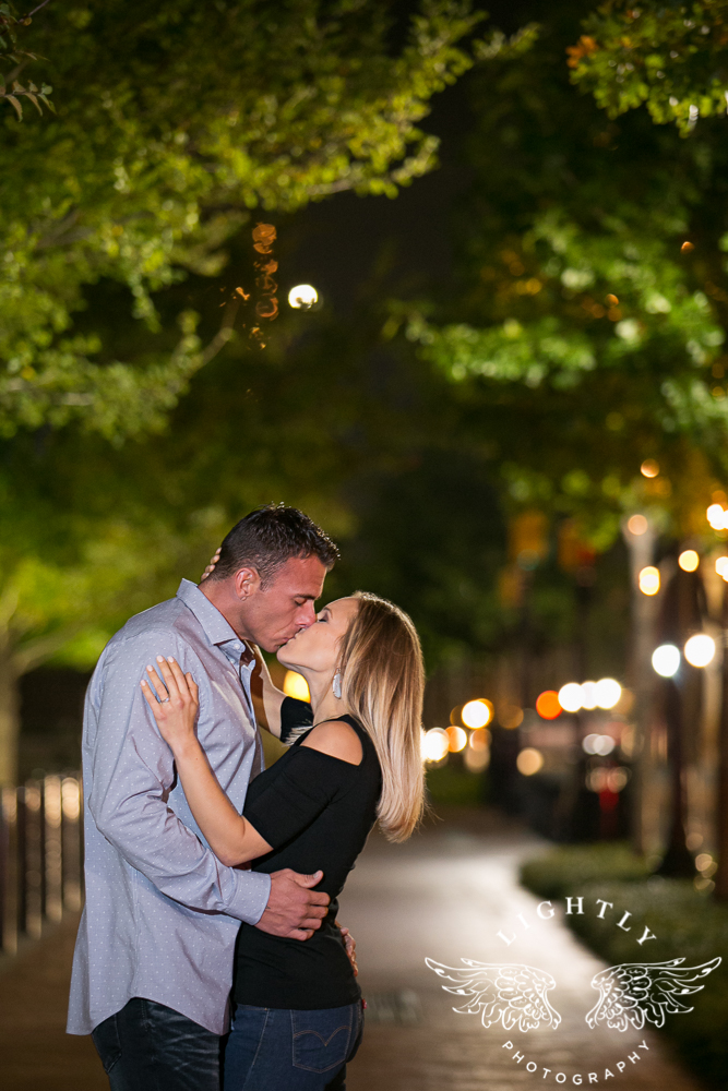 engagement-session-fort-worth-stockyards-downtown-fort-worth-amanda-mccollum-lightly-photography-023