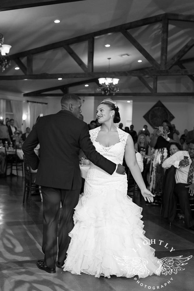 wedding-the-orchard-azle-texas-ranch-wedding-amanda-mccollum-lightly-photography-046