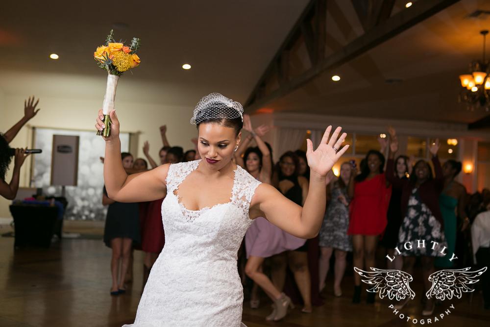 wedding-the-orchard-azle-texas-ranch-wedding-amanda-mccollum-lightly-photography-058