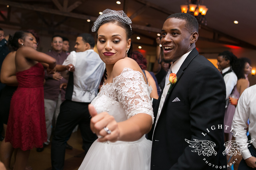 wedding-the-orchard-azle-texas-ranch-wedding-amanda-mccollum-lightly-photography-064